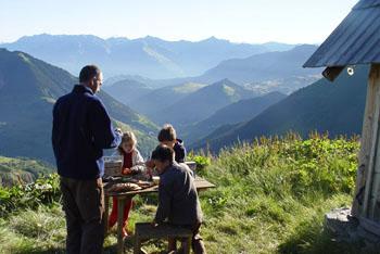 Petit déjeuner en montagne