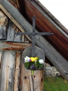 Croix sur le chalet
